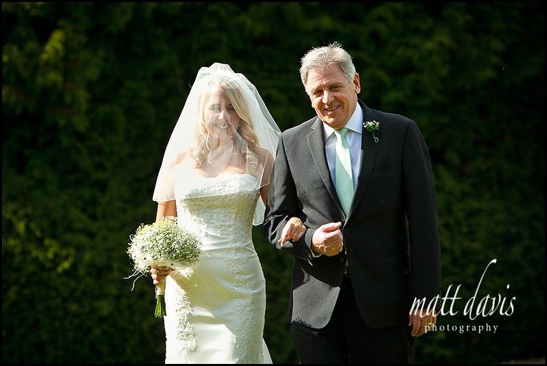 Barnsley House outdoor wedding ceremony
