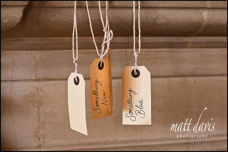Vintage wedding ideas - luggage labels