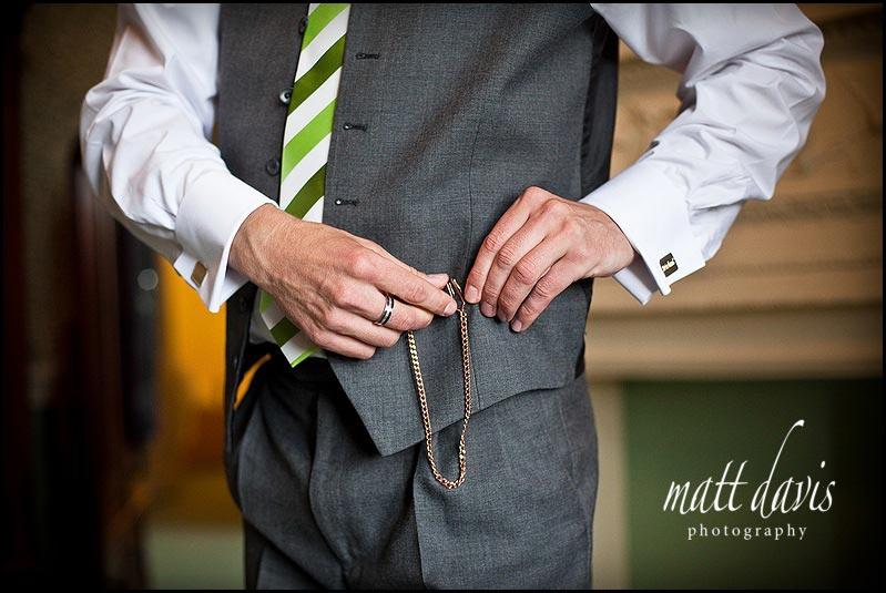 Green wedding tie for groom