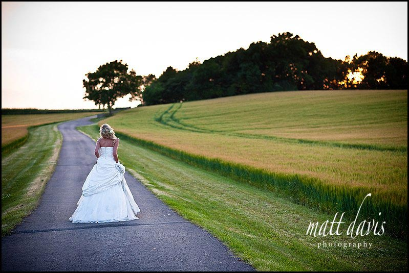 stunning wedding photography at Kingscote Barn