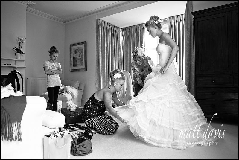 Matara wedding photography in the bridal suite