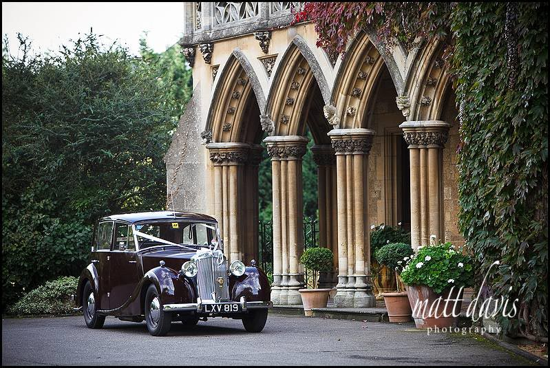 vintage wedding car outside Manor By The Lake
