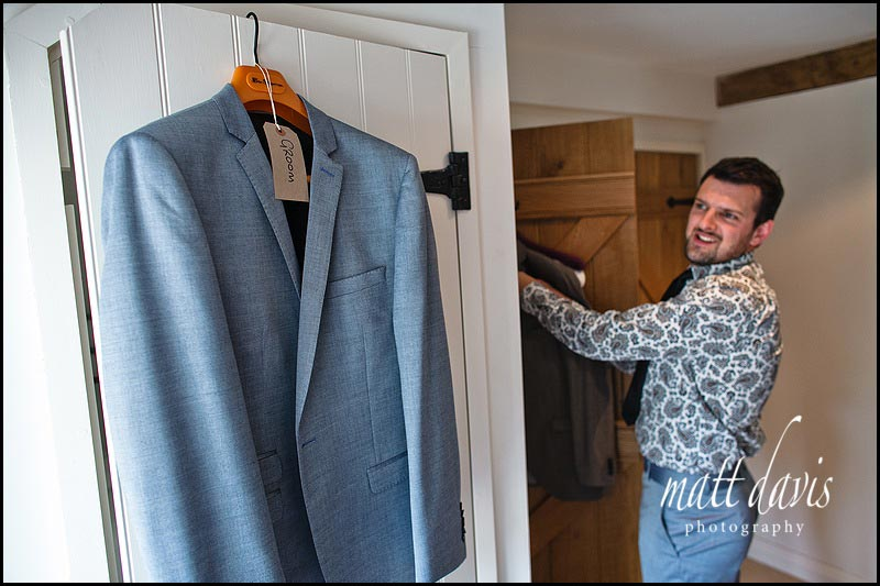 on trend wedding suit for groom