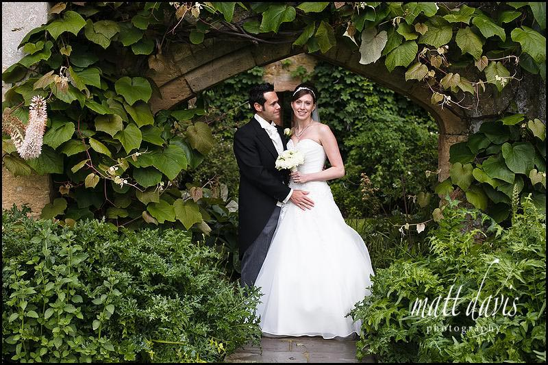 Sudeley Castle wedding photos by the Tithe Barn