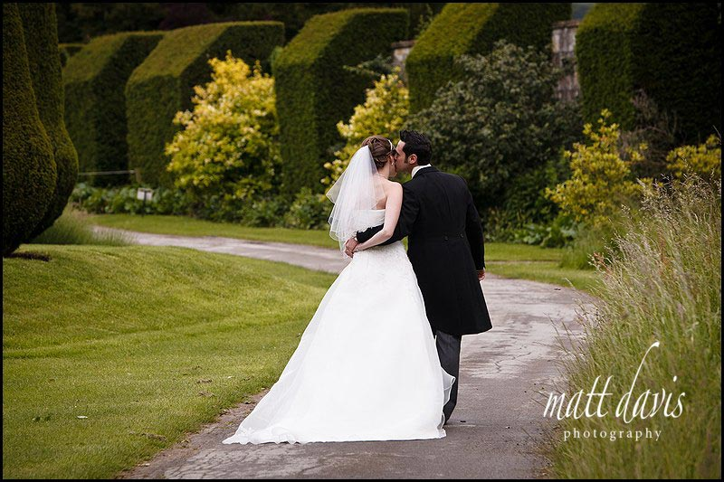 wedding couple portraits at Sudeley Castle