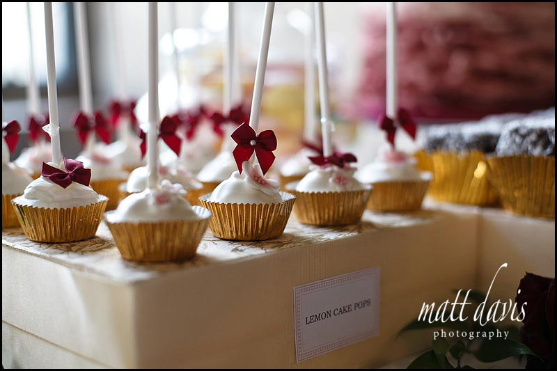 unique wedding cakes on lollipop sticks