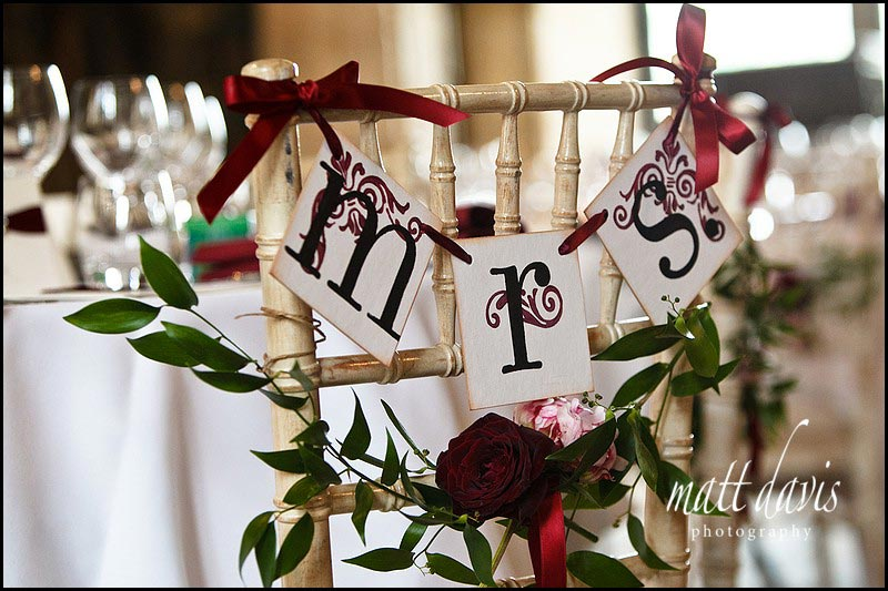 unique ways to decorate your wedding chairs