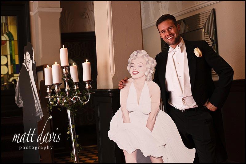 Marilyn Monroe cut out for wedding