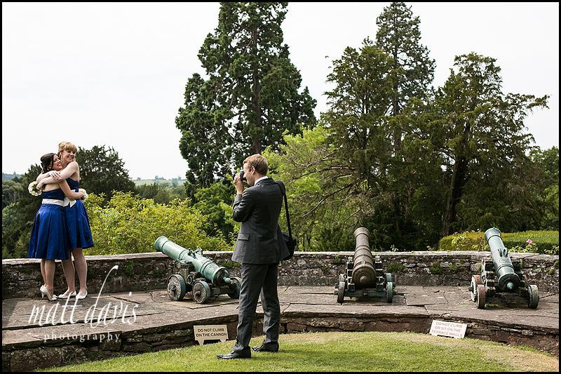 Berkeley Castle wedding photographer taking photos