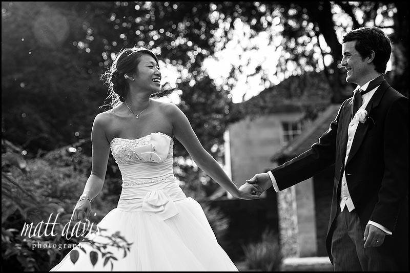natural wedding photos at Berkeley Castle