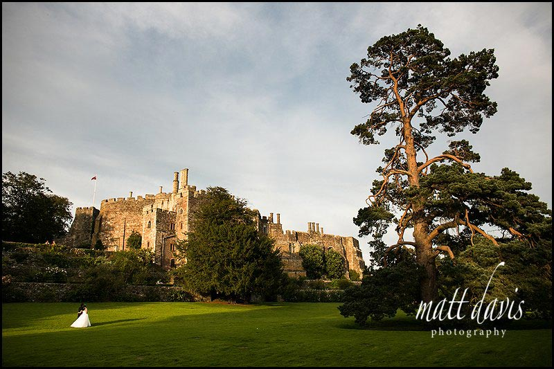 beautiful Berkeley Castle wedding photos with bride and groom