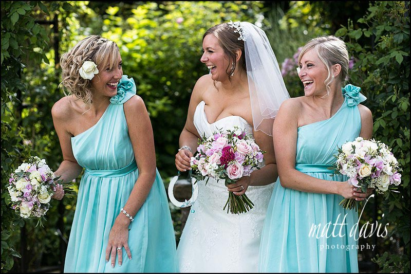 Natural wedding photos at Kingscote Barn