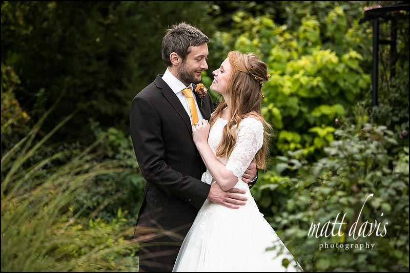 Natural wedding photos at Kingscote Barn, Gloucestershire