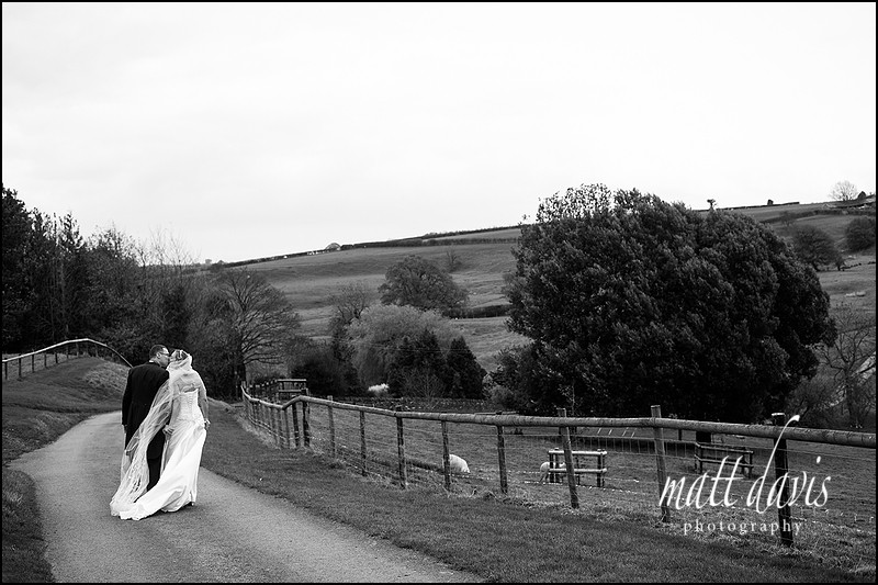 Kingscote Barn wedding photography by Matt Davis