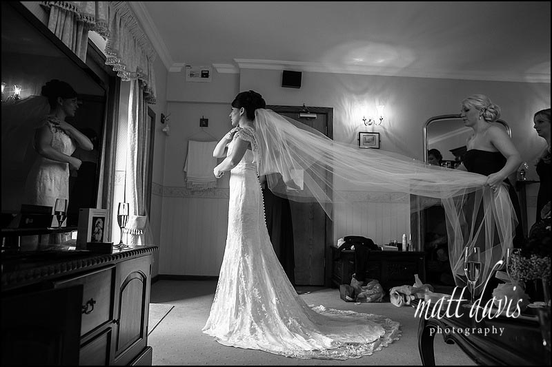 Documentary wedding photos at Stanton House, Gloucestershire