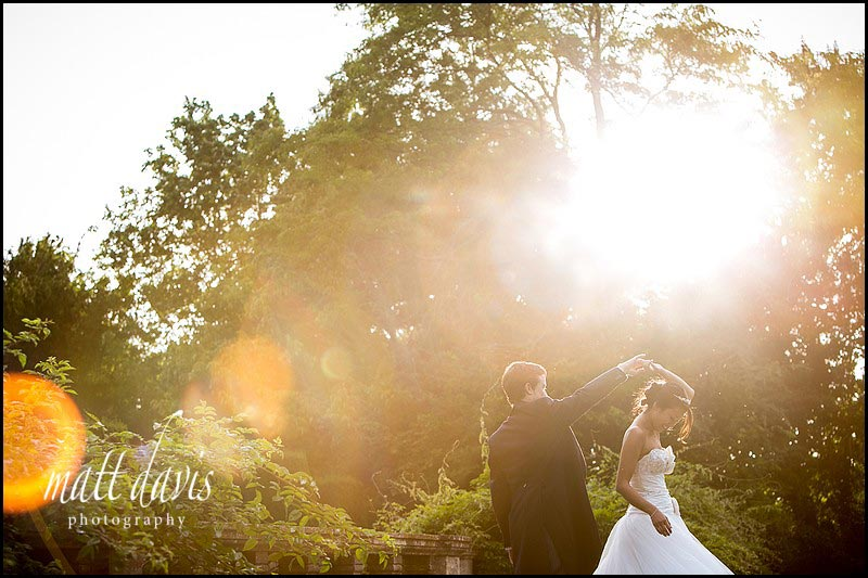 Glorious golden light in Gloucestershire. Wedding photographer bliss