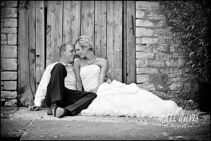 Kingscote Barn wedding photography by Gloucestershire wedding photographer Matt Davis
