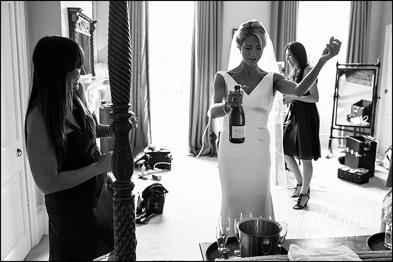 documentary wedding photography at Ardington House by Photographer Matt Davis