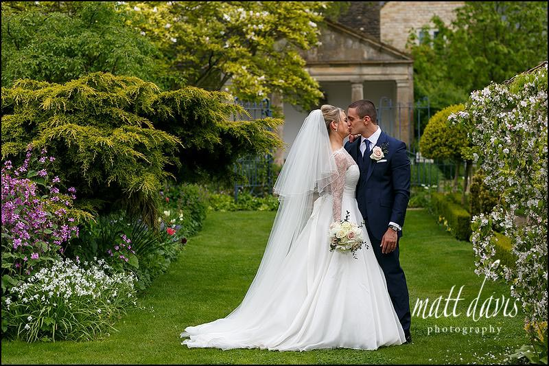 Romantic wedding photos taken at Barnsley House by Matt Davis Photography