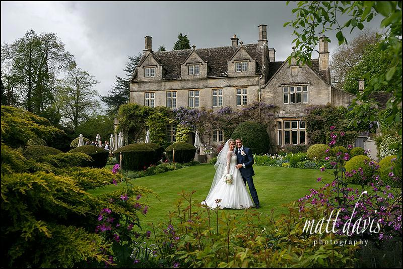 Stunning wedding photos taken at Barnsley House by Matt Davis Photography