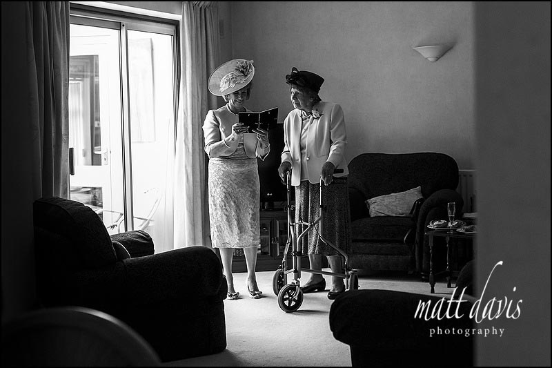 Black and white Documentary wedding photography by Matt Davis Photography, Gloucestershire