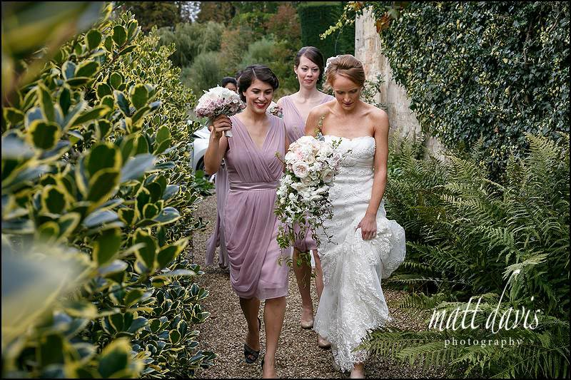 Documentary wedding photography at Sudeley Castle