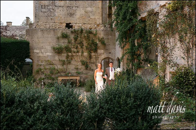 Sudeley Castle wedding photography amongst the ruins