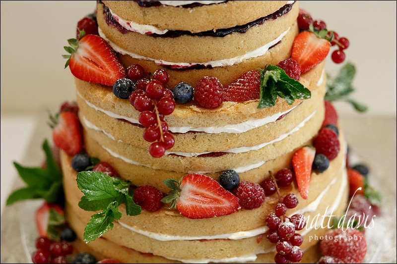Naked wedding cakes