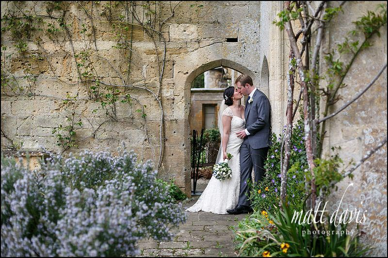 Romantic wedding photos Sudeley Castle