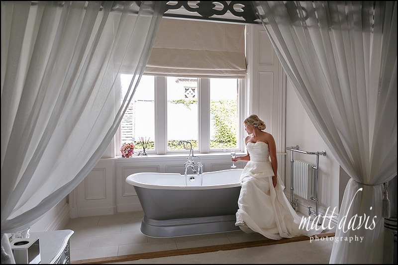 Stunning wedding photos at Manor By The Lake bridal suite