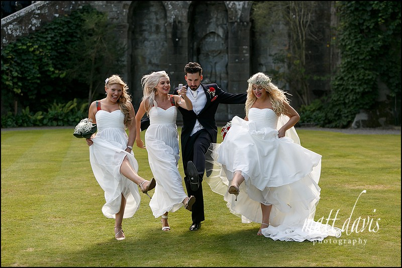 Fun wedding photos at Eastnor Castle