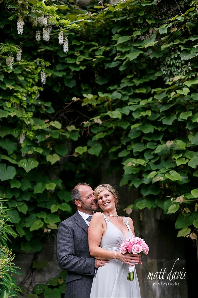 Relaxed couple wedding photos taken at Eastnor Castle