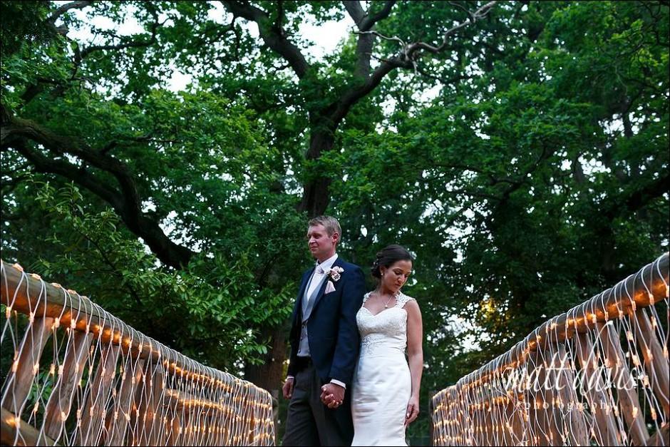 Amazing wedding photography at Manor By The Lake Cheltenham